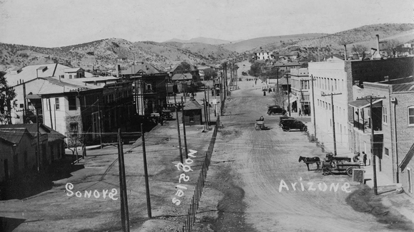 Nogales, Arizona and Nogales, Sonora border